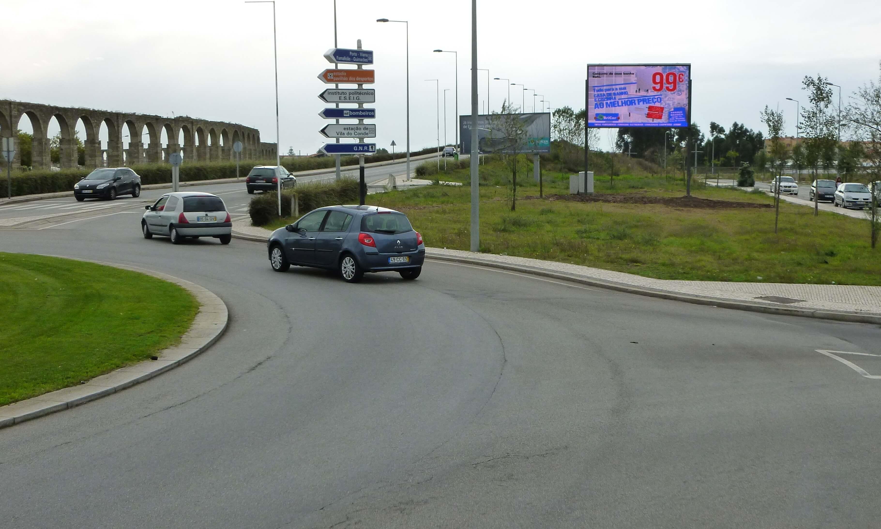 13-Vila-do-Conde-rotonda-Avda-do-Atlantico-Portugal-pantalla-de-15-m2
